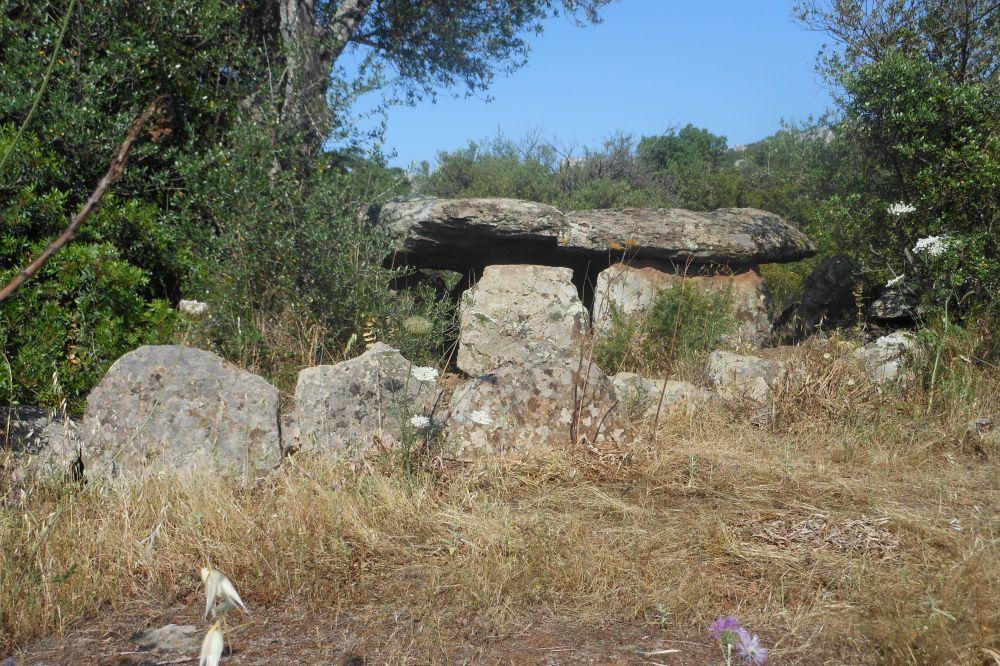 ichnusaorg_43dorgali_-_dolmen_di_motorra_-2802-29.jpg