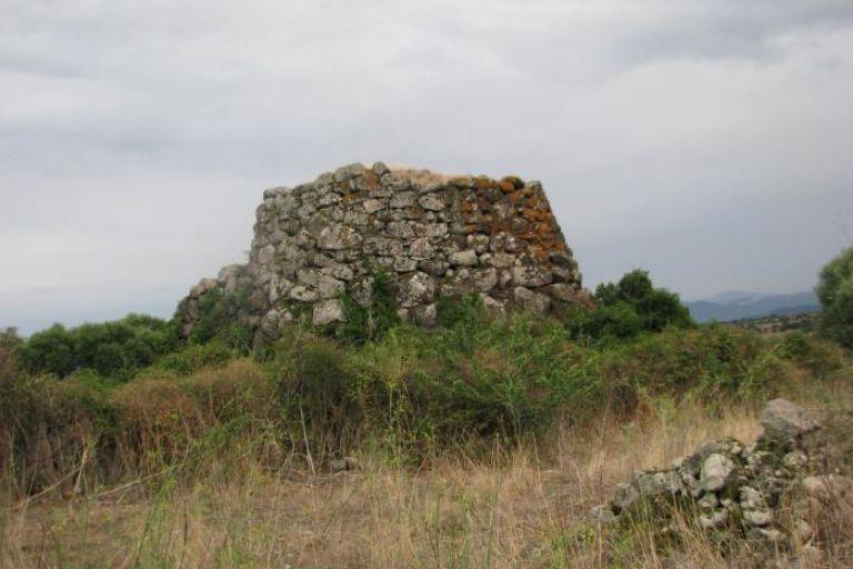 ichnusaorg_88complesso-archeologico-dei-nuraghi-sruliviera-e-ono.jpg
