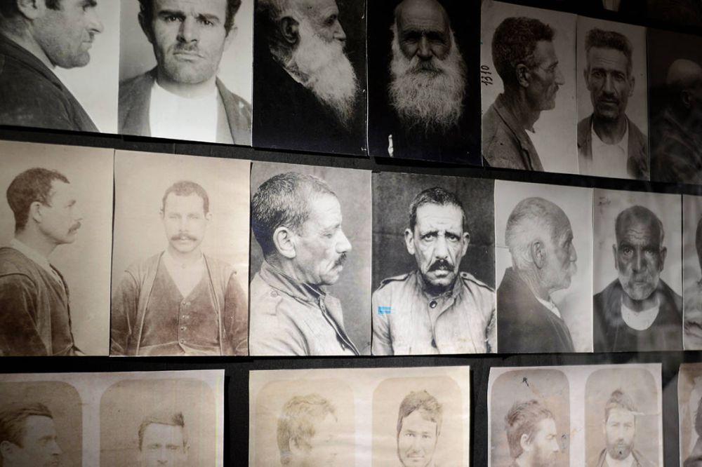ichnusaorg_30foto-segnaletica-banditi-museo-banditismo-aggius-sardegna.jpg