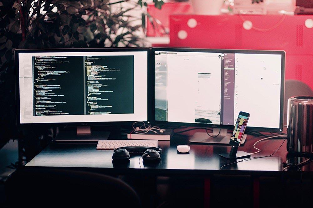 ichnusaorg_8computer-1245714_1920.jpg
